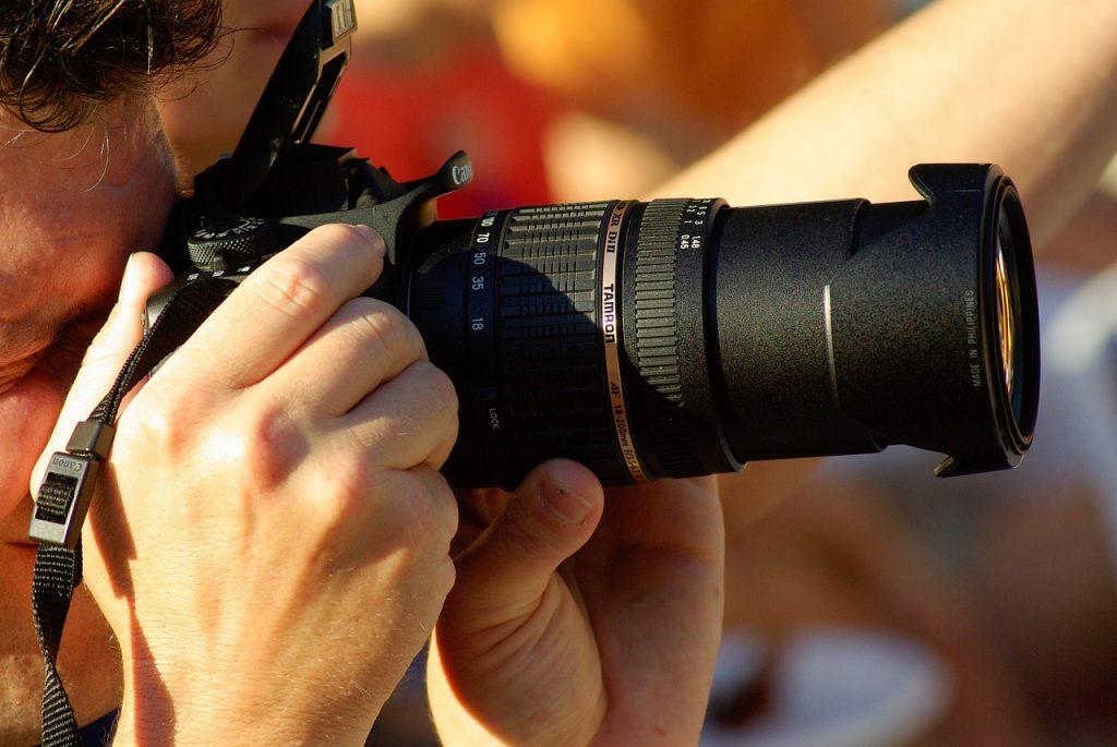 photographer-823474_1280